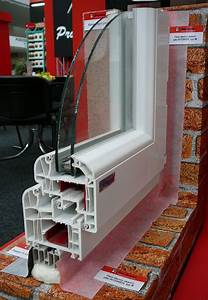 Paropropustná páska kolem oken