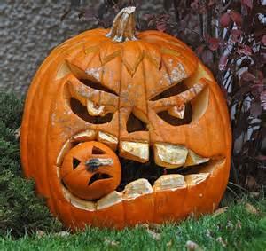 Half Moon Bay Pumpkin Festival 2016 by 10 Creative Pumpkin Carvings Swick
