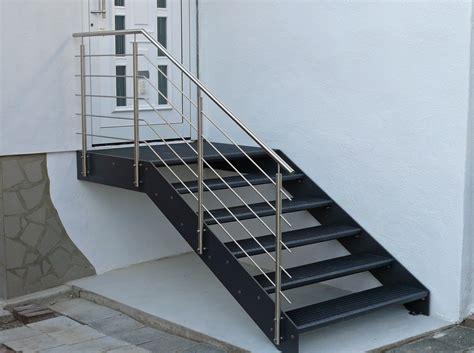 Stahltreppen Fuer Innen Und Aussen by Treppenbau Au 223 En Wohndesign Ideen