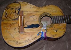 Hamilton man decorates guitar as ode to Willie Nelson ...