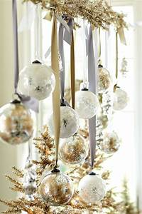 44 Refined Gold And White Christmas Décor Ideas DigsDigs