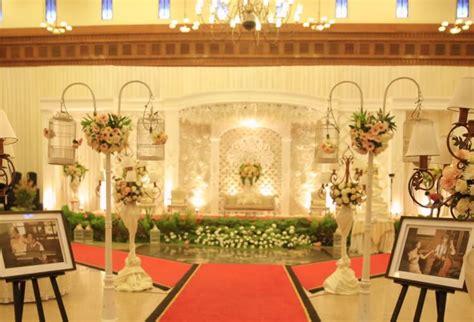 tema dekorasi pernikahan  rumah  menjadi favorit