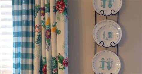 pioneer woman kitchen curtains  tablecloths