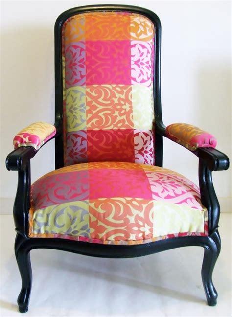 tapisser un fauteuil voltaire choisir un tissu pour tapisser un fauteuil