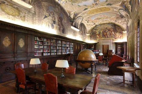 librerie universitarie bari boiserie su misura samarreda the italian contract