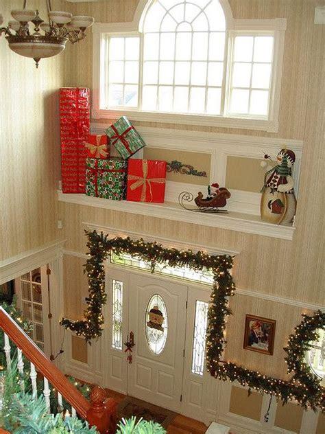 foyer christmas decor christmas  decorating tips