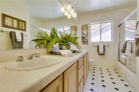 Bright Light Bulbs For Bathroom Tips For Decorating Small Bathrooms