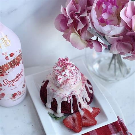 I appreciate that making these lava cakes while the molten cakes came to the restaurant frozen, a quick zap in the microwave made that chocolate. Strawberries and Cream Lava Cake - Food Dolls | Recipe ...