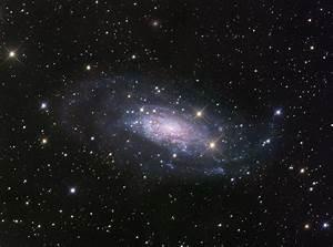 APOD: 2009 September 19 - NGC 3621: Far Beyond the Local Group