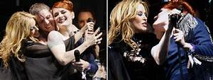 Glastonbury 2010: Kylie Minogue performs in the heat with ...