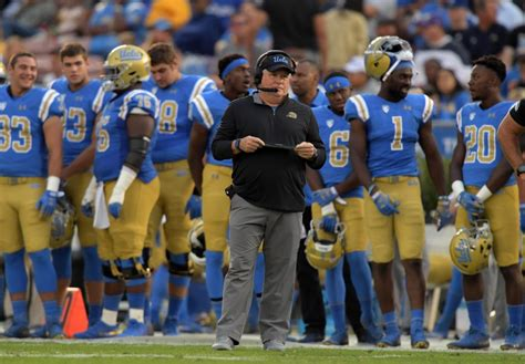 chip kelly won   college football game   days