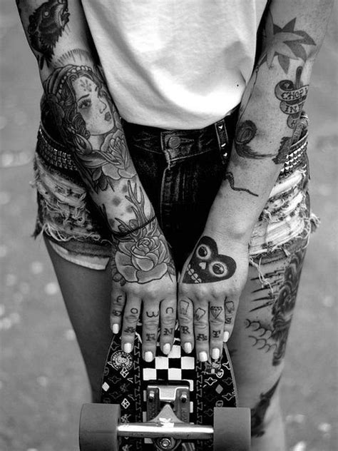 60 Breathtaking Hand Tattoos That Will Inspire you » EcstasyCoffee