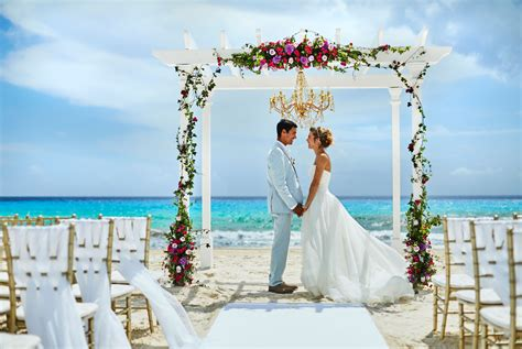 destination wedding honeymoon ideas hyatt zilara cancun