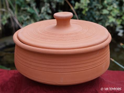 騅ier de cuisine en ceramique ceramique gallo romaine marmite africaine petit modele via temporis