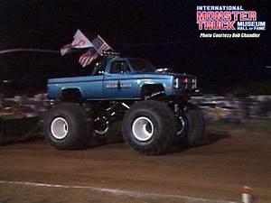 Bearfoot » International Monster Truck Museum & Hall of Fame