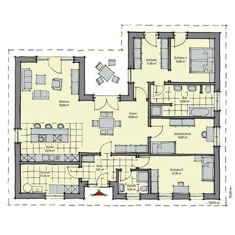 Großer Bungalow Grundriss by Walmdach Bungalow Mit U F 246 Rmigem Grundriss Meran Gussek Haus