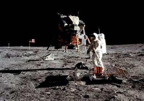 Smithsonian Kickstarter for Spacesuit - 3D Printing Industry