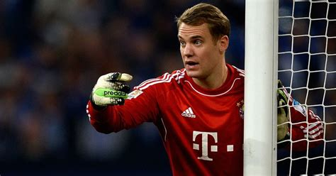 Manuel neuer is a goalkeeper and is 6'2 and weighs 176 pounds. Manuel Neuer Wiki, Wife, Salary, Affairs, Age, Biography - Celebrity Wikis