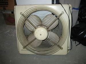 Late 70s Lakewood P-223 16 U0026 39  U0026 39  Box Fan