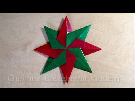 sterne basteln mit kindern weihnachtssterne basteln einfachen f 252 r weihnachten basteln mit kindern fenstersterne