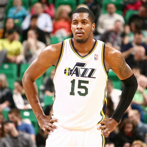 derrick favors injury updates  jazz forwards hip