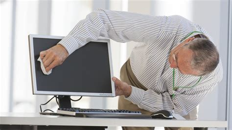 Can You Use Windex To Clean A Computer Screen