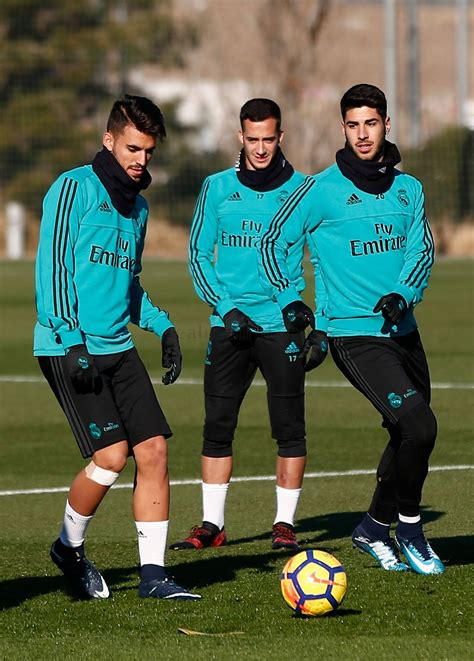 The latest tweets from @realmadrid More hard work with just two days to go till el Clásico | Real Madrid CF