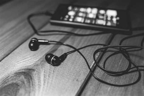 360 audio earbuds designed for high quality sound