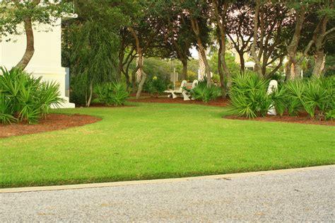 beautiful residential landscapes lawn fertilization services panama city beach sandestin