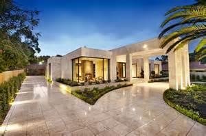 design a mansion bagnato architects design sprawling single level contemporary mansion