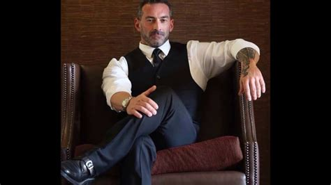 Best Styles For Men Over 40 Years Old