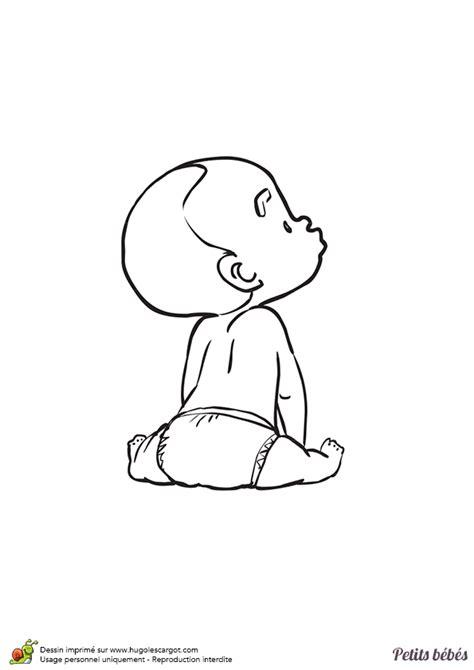 deco chambre bébé coloriage d un petit bébé assis par terre