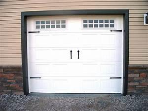 elegant barn style garage doors umpquavalleyquilterscom With barn looking garage doors