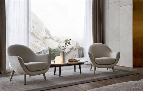 Poltrone Imbottite In Pelle, Design, Per Alberghi