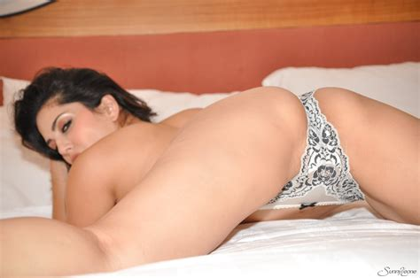 Charming Hot Sunny Leone Excited And Horny On Bed For Pussy Pleasure Asian Porn Movies