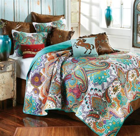 Western Bedding Sets: Queen Size Paisley Brilliance Quilt