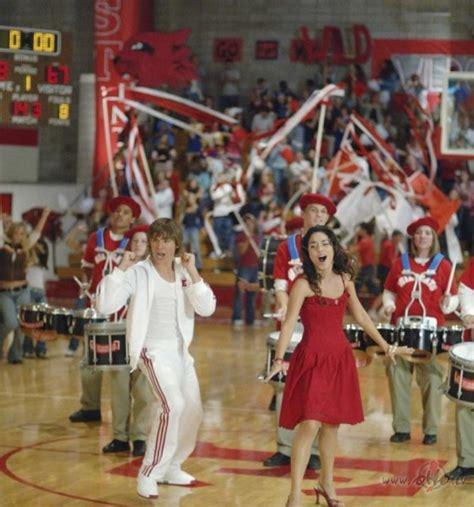 Vidusskolas mūzikls - attēli no filmas (High School ...