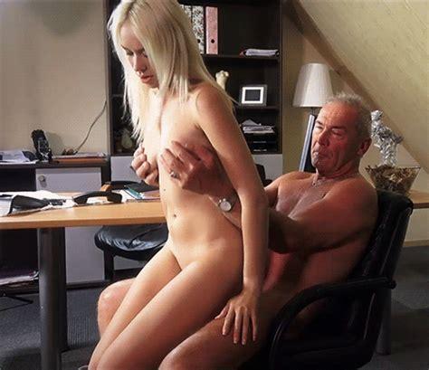 Le Patron Baise Sa Jeune Assistante Blonde Top X Porn