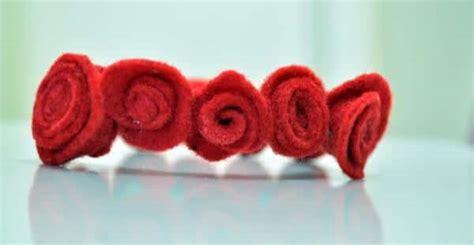 membuat bunga mawar  kain flanel