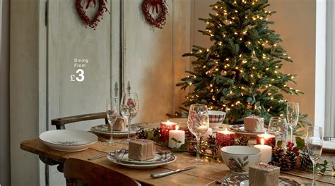 How To Set The Perfect Christmas Dining Table