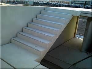 betonfertigteile treppen treppen treppe mit trittschutzkanten jpg betonfertigteile stauch gmbh