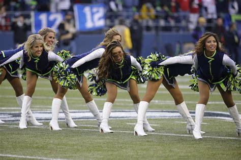 cheerleaders show spirit  nfl playoffs