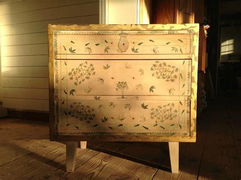 customiser un bureau en bois amazing customiser ou peindre commode en bois et