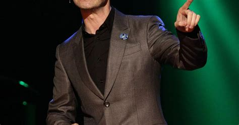 Jimmy Carr Taxed By 8 Out Of 10 Cats Comedians As They