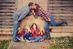 15 unique family photo ideas