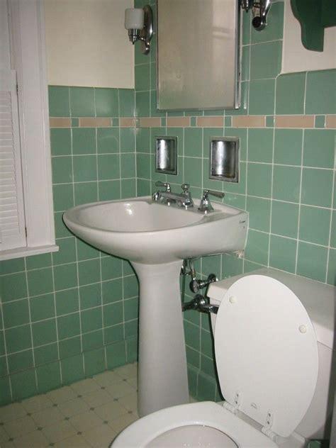 1930s Bathroom Design by Bathroom Simple 1930s Bathroom Design With Green Wall