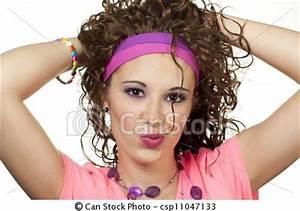 Scrunched hair, headband around hairline | 80s Hair ...