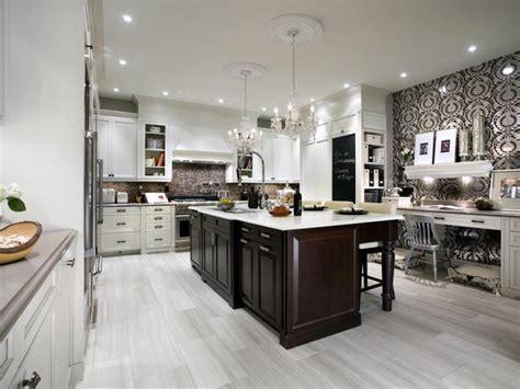Interior design inspiration photos by Candice Olson.