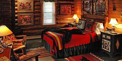 Summer Resorts in Northern Wisconsin Log cabin bedrooms