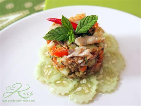 cuisiner les sardines salade de poisson thaï style au pays des piments